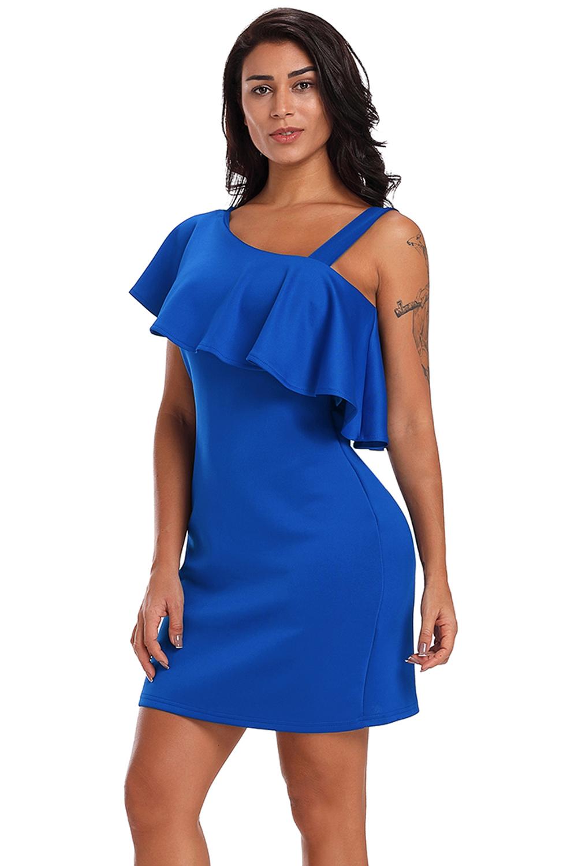 Vestido-de-noche-mini-elegante-azul-con-un-volante-en-un-hombro-mujer-fiesta